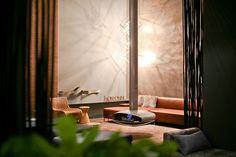 Lareira Suspensa Orbitale em projeto do escritório de arquitetura FConsonni.   www.largrill.com.br #sala #lounge #casacor #largrill #qualidade #lareira #lareiras #lareirasuspensa #largrill #fireplace #decoraçao #arquitetura #arquiteto #arquiteta #casaclaudia #casaclaudialuxo #casavogue #arquiteturaeconstruçao #design #designdeinteriores #decor #paisagismo #paisagista