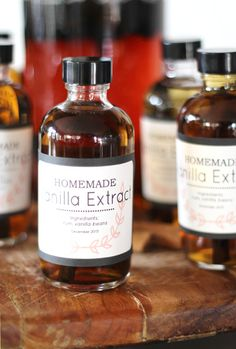 Homemade Vanilla Bean Extract | PepperDesignBlog.com