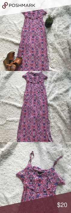 🌻 Cotton On 🌻 Light Boho Maxi Dress Super light float maxi dress It's a little short on me. I am 5'7 and it's right above my ankles Adjustable straps Worn once 2 slits on the sides Cotton On Dresses Maxi