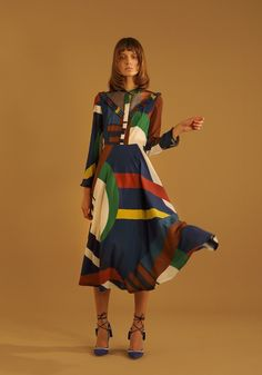 Daniele Giorgio, Parden's e il suo inno alle stampe e al colore Date Outfit Casual, Date Outfits, Modest Outfits, Fashion Outfits, Womens Fashion, Quirky Fashion, Fashion Prints, Fashion Design, Inspiration Mode