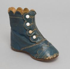Made in United States, North and Central America Date: Late 19th century Medium: Teal blue leather
