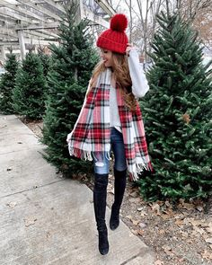 red, black, and white plaid scarf fall fashion outfits 2019 Fall Fashion Outfits, Trendy Fashion, Winter Fashion, Fashion Black, Fashion Clothes, Fashion Accessories, Fashion Trends, Winter Outfits 2019, Winter Teacher Outfits