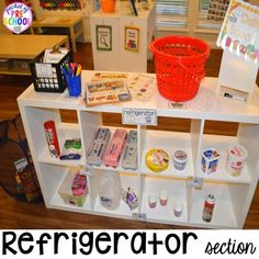 How to set it up & add literacy and math opportunities to the grocery store in your preschool, pre-k, & kindergarten classroom. Preschool Centers, Kindergarten Classroom, Calm Classroom, Inclusion Classroom, Classroom Activities, Play Grocery Store, Dramatic Play Centers, Play Centre, Little Learners
