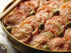 Maanantain makkaravuoka Food Hacks, Food Tips, Love Food, Nom Nom, Sausage, Bacon, Recipies, Pork, Food And Drink