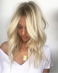 Golden Blonde Balayage for Straight Hair - Honey Blonde Hair Inspiration - The Trending Hairstyle Bright Blonde Hair, Blonde Hair With Highlights, Brown Blonde Hair, Blonde Balayage, Blonde Color, Baby Blonde Hair, Chunky Highlights, Bleach Blonde Hair, Caramel Highlights