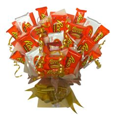 Reese's is our most popular range of American chocolate and now it is available as a stunning Bouquet. Our Reese's Bouquet is stuffed with a range if Reese's Peanut Butter products. Reese's Chocolate, Chocolate Bouquet, Sweet Hampers, American Chocolate, Fall Candy, Retro Sweets, Gourmet Gifts, Homemade Christmas Gifts, Christmas Crafts