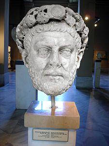 Testa di Diocleziano - III-IV sec. d.C. - marmo a tutto tondo - Museo archeologico di Istanbul.