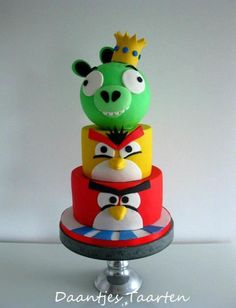 This is my second angry bird cake and this one is a bigger one :-) Had much inspiration from other cakes and from myself :-D hehe i don't have anything with these birds but Eray and his friends loved it !!