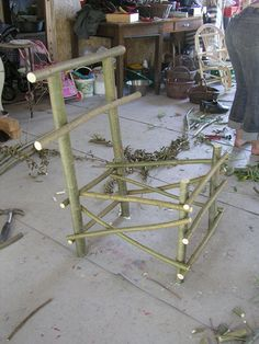 Making Rustic Furniture - Do It Yourself - englishbulldog Willow Furniture, Fairy Furniture, Diy Furniture Projects, Dollhouse Furniture, Rustic Furniture, Wood Projects, Willow Weaving, Basket Weaving, Twig Crafts
