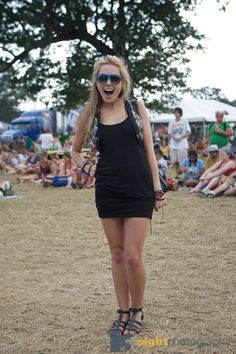 This is doable fest fashion at Bonnaroo.  I don't get it when girls are all dolled up, especially at Roo.  Keep it simple!