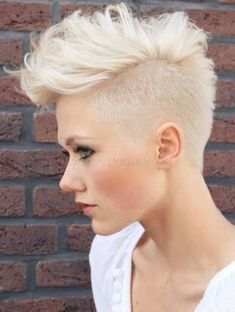 Most populars of female short mohawk hairstyles The best of female short mohawk hairstyles Top 10 of female short mohawk hairstyles Most pop. Mohawk Hairstyles For Women, Long Hairstyles, Edgy Haircuts, Gorgeous Hairstyles, Choppy Haircuts, Short Shaved Hairstyles, Summer Hairstyles, Woman Hairstyles, Short Hair Styles Shaved