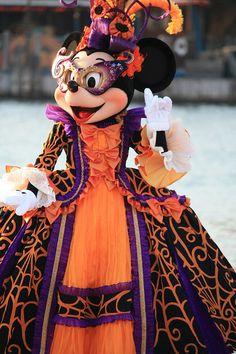 Halloween Minnie!