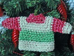 Miniature sweater ornament Tutorial  ✿⊱╮Teresa Restegui http://www.pinterest.com/teretegui/✿⊱╮