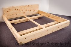 Zirbenbett mit massivem Unterbau (Furniture Designs Beds)