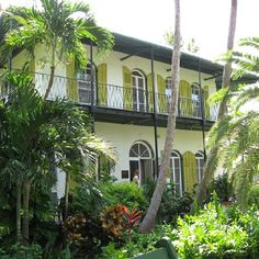 Ernest Hemingway House in Key West...I want to go back!