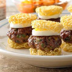 Ramen Sliders Recipe -I grew up eating ramen and love it to this day. These sliders are a fun spin on my favorite type of noodle soup, which is topped with an egg and kimchee. Ramen Recipes, Meat Recipes, Dinner Recipes, Cooking Recipes, Dinner Ideas, Lunch Ideas, Korean Recipes, Burger Recipes, Korean Food