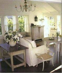 Country Cottage Style Living Rooms | Artist Lynn Hansonu0027s Little Cottage |  ~ House Crazy ~ | Decorating | Pinterest | Cottage House, Cottage Style And  ...