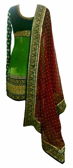 Vintage red and green shaped Indian Kurta, with Dupatta Fashion Punjabi Fashion, India Fashion, Bollywood Fashion, Asian Fashion, Pakistani Outfits, Indian Outfits, Pakistani Clothing, Indian Attire, Indian Wear