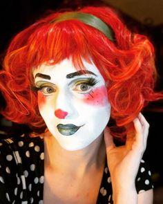 Clown Makeup, Halloween Face Makeup, Clown Suit, Female Clown, Cute Clown, Halloween Costumes, Bright Colours, Clowns, Lady
