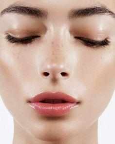 Fresh dewy beauty skin make-up 주근깨, 메이크업, 메이크업 팁 All Things Beauty, Beauty Make Up, Beauty Care, Beauty Hacks, Hair Beauty, Beauty Ideas, Beauty Advice, Beauty Secrets, Beauty Skin