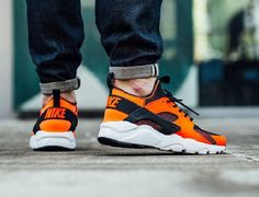 Nike Air Huarache Ultra in Hot and Cool Colorways - EU Kicks: Sneaker Magazine Nike Air Huarache Ultra, Huarache Run, Nike Sb, Nike Air Max, Cool Nike Shoes, Air Max Sneakers, Sneakers Nike, Jordans Girls, Nike Trainers