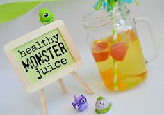 Mommy Testers Monster eyeball juice for kids monster Monsters University party with Juicy Juice Aubrey Belle, Juice Recipes For Kids, Monster University Party, Juicy Juice, Monster Mash, Healthy Drinks, Kids Meals, Free Food, Halloween