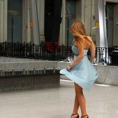 Nuestra colgada Júlia prefiere los vestidos vaporosos para poder bailar  http://15colgadasdeunapercha.com/2013/05/22/the-idyllic-moment/  Our hanging Júlia prefers sheer dresses to dance  http://15colgadasdeunapercha.com/2013/05/22/the-idyllic-moment/