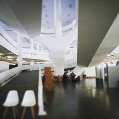 Montagem.  28ª Paralela Gift, na Fundação Bienal de São Paulo, Parque do Ibirapuera. De 12 a 15 de agosto de 2015.  Priscila Vannucchi & Marcos Wolff Objetos de Arte | site: www.pvmw.com | facebook: facebook.com/lojapvmw | instagram: instagram.com/pvmw.objetos.de.arte #pvmw #lojapvmw #design #art #arte #toyart #sp #ceramics  #urbanart #saopaulo #brazil #architecture #trend #vejasp #paralelagift #bienal #fundacaobienal #ibirapuera #pavilhaodabienal #fundaçãobienal #niemeyer #oscarniemeyer