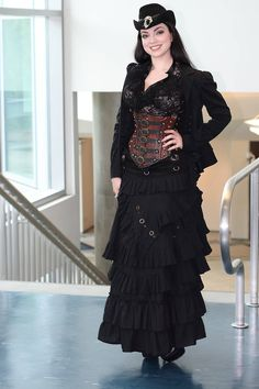 Lady Clankington (aka Sarah Hunter) of Brute Force Studios! An icon in the Steampunk universe!