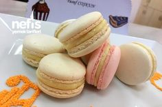 Macarons Making with Chef's Tricks - Tatli Kurabiyeler - Makaron Cookie Recipes, Dessert Recipes, Desserts, Macarons, How To Make Macaroni, Cake Mix Cobbler, Macaroni Recipes, Recipe Mix, Food Words