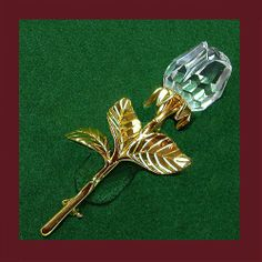 Swarovski Retired Brooch - Very special retired rose brooch. Signed SWAROVSKI SWAN LOGO