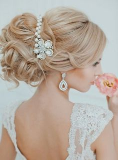 Jaw Dropping Wedding Updo Hairstyles for Bride
