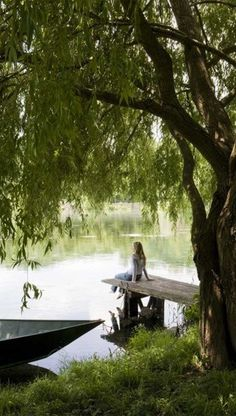 ~Just relax.take in the day~ das bin ich an unserem Bootssteg. Peaceful Places, Beautiful Places, Beautiful Life, Esprit Country, Vie Simple, Turbulence Deco, Weeping Willow, Willow Tree, Seen