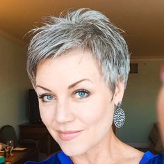 I'm trying to decide whether to continue to let it grow…. or cut it ;)  I really have enjoyed it shorter!! More than likely will cut it again this week.  #Pixie #silversparkles #naturalcolor