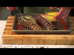 Broiled Lobster Tails See the simple, less messy way to cook lobster. Lobster Dishes, Lobster Recipes, Fish Dishes, Seafood Dishes, Tasty Dishes, Fish Recipes, Seafood Recipes, Cooking Recipes, Yummy Recipes
