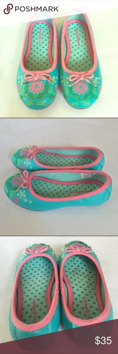 """Girls Hanna Andersson """"Adela"""" Ballet Flats 12.5 So precious! Girls Hanna Andersson """"Adela"""" Ballet Flats. Storybook shoes fit for a princess. Beautiful floral embroidery. Very little signs of wear. Size 12.5. Hanna Andersson Shoes"""