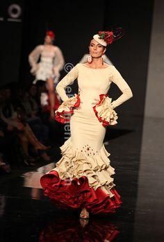 Noveles - Innova Flamenca - Simof 2013 Spanish Fashion, No Frills, Flamenco Dresses, Dance, Gypsy Soul, Sewing, Flamingo, How To Wear, Inspiration