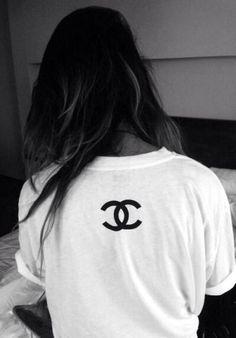 FOR STYLE INSPIRATION    Chanel t-shirt    NOVELA BRIDE...where the modern romantics play & plan the most stylish weddings... www.novelabride.com @novelabride #jointheclique