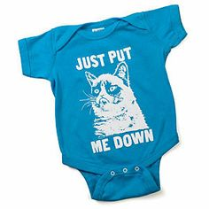Grumpy Cat for a grumpy baby! Little Babies, Baby Kids, Baby Boy, Grumpy Baby, Niece And Nephew, Kids Prints, Baby Bodysuit, Baby Onesie, Funny Babies