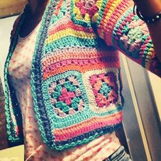 Transcendent Crochet a Solid Granny Square Ideas. Inconceivable Crochet a Solid Granny Square Ideas. Gilet Crochet, Crochet Jumper, Crochet Jacket, Crochet Cardigan, Crochet Stitches, Knit Crochet, Crochet Sweaters, Knitting Patterns, Crochet Patterns