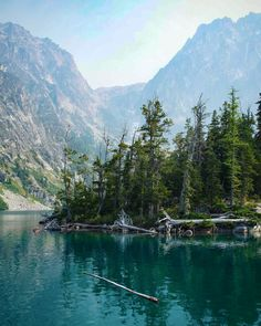 Alpine lake (Washington Cascades) by Ondřej Černín (@czechthecount) on Instagram