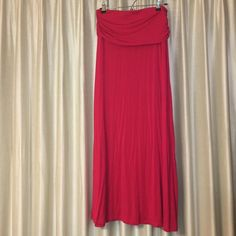 Nordstroms hot pink fold over maxi skirt like new Like new worn once. Size large. Design history purchased at Nordstrom. Fold over feature has ruching perfect for hiding tummy area. Long maxi skirt with elastic waist. Beautiful bright color can be dressed up or down 15% off bundles of 2+ items Nordstrom Skirts Maxi