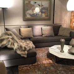Contrasting piping and matress like seats urban sofa - Canape angle roche bobois ...