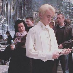 """you're telling me draco wore THIS to the yule ball and he didn't get ONE scene? Draco Harry Potter, Estilo Harry Potter, Harry Potter Icons, Mundo Harry Potter, Harry Potter Anime, Harry Potter Characters, Draco And Hermione, Harry Potter World, Hermione Granger"