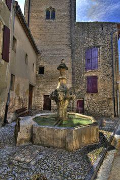 Pernes les Fontaines, Vaucluse  | Flickr – Condivisione di foto!