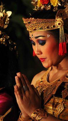 Bali Lombok, Body Art, Dancer, Paradise Island, Culture, Textiles, Asian, Tattoo, Beauty
