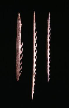 Uni-barbed antler harpoon, Courbet Cave