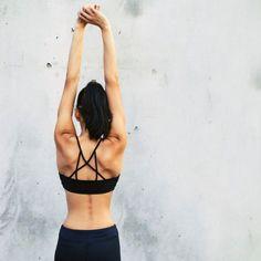 Rückenspeck loswerden: 5 effektive Übungen gegen Rückenfett