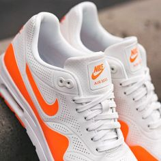 the best attitude 09380 a2bad Nike - Women s Air Max 1 Ultra Moire (Summit White)