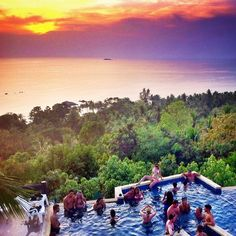 Sunset at the Amsterdam Bar & Stone Hill Resort pool, Koh Phangan. You have to be in the know… the turn-off to Amsterdam Bar doesn't automatically signify a thumpin hotspot. The infinity pool swells with backpackers and cocktails as sunset approaches, and when the light fails the crowd quickly departs […]